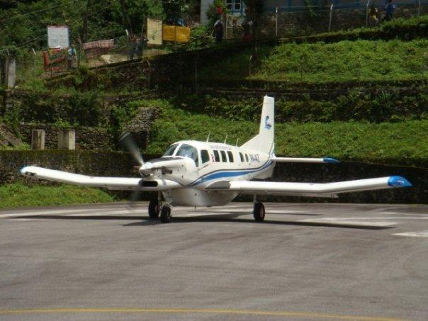 Deux compagnies aériennes népalaise interdites de vol
